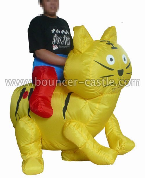 GM-6 Golden Cat Inflatable Moving Cartoon